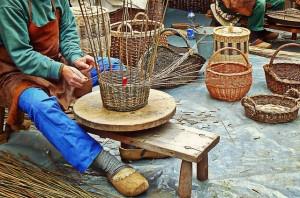 In treccia, laboratori di cesteria a Mantova